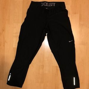 Cropped Nike black leggings